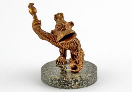 Мавпа - статуетка з олова